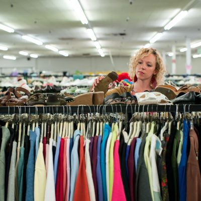 8 Simple Secrets of the BEST Thrift Store Shoppers
