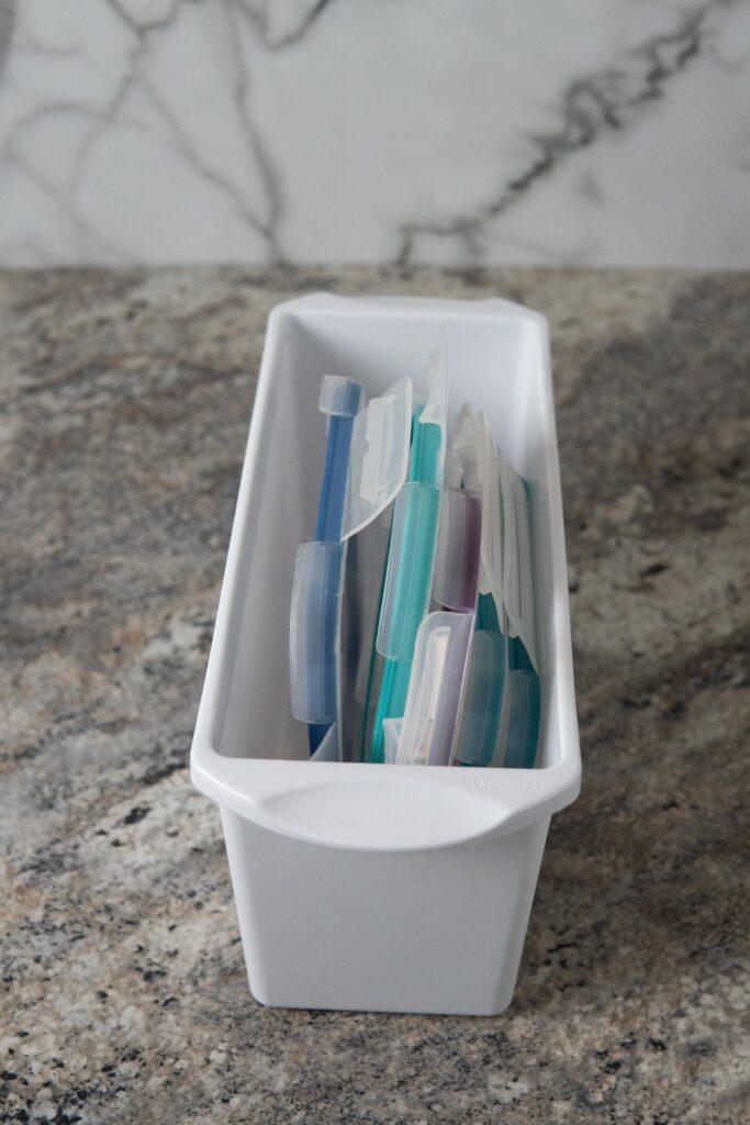 Snapware lids in an ice bin